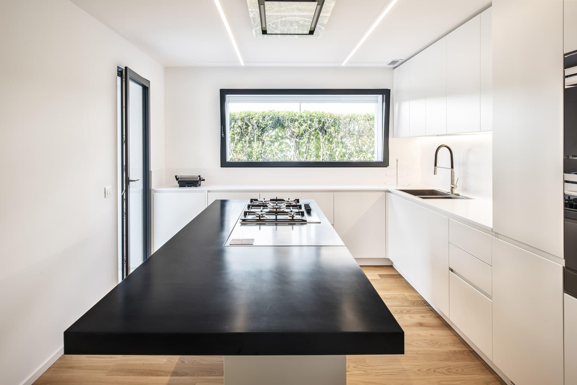 Plana: finestre moderne, di design e minimali